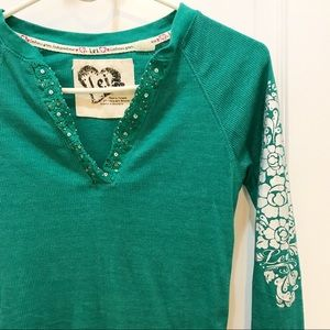 🔹2 for $9🔹Lei Green Embroidered V-neck Shirt